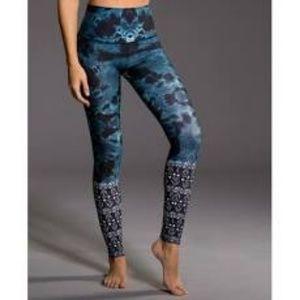 Onzie Graphic High Waist Legging NEW